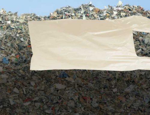 Como ocorre a oxibiodegradação de um plástico?